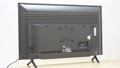 TCL L32D2900 back